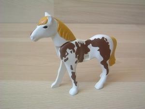 Cheval nouvelle génération blanc et marron