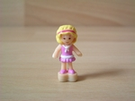 Personnage polly pocket aimanté robe rose Neuf
