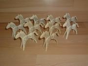 Lot de 10 chevaux mouchetés sales