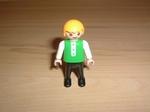 Enfant polo vert pantalon noir