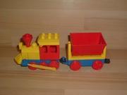 Locomotive rouge wagon benne