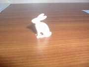 Lapin beige assis