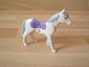Cheval nouvelle génération blanc couverture violette