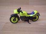 Moto sport jaune