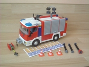 Camion de pompiers neuf sans boite