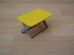 Table pliante jaune
