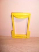 Cabine jaune d'ascenseur