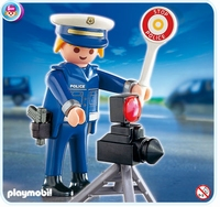 Policier et radar 4902