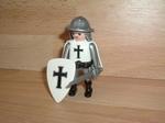 Chevalier blanc croix noire